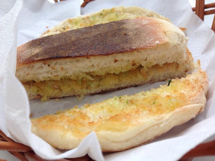 mercado_alimentar_madeira_bolo caco