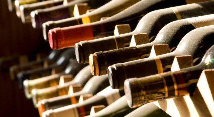 mercado_alimentar_vinho_garrafas